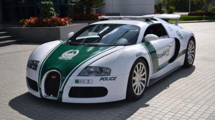 Патрульная машина в Дубае ставит новый мировой рекорд