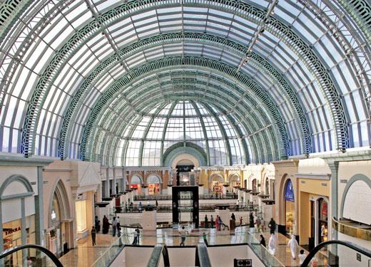 وجهة دبي: جنة المتسوقين