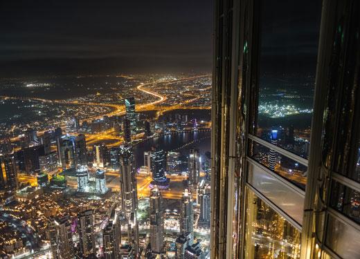 دائرة الأراضي والأملاك في دبي توقع صفقات لتسليط الضوء على إمكانات الاستثمار العقاري في دبي