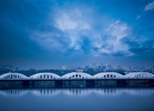 دبي تعزز العلاقات الاقتصادية مع الهند