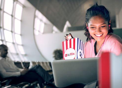 مطار دبي الدولي يقدم تجربة مشاهدة الأفلام المجانية