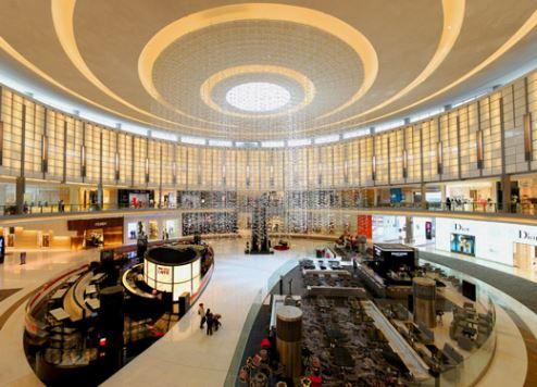 ارتفاع إنفاق الإمارات بنسبة 10٪ مدفوعًا بالسياح الأثرياء