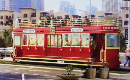 وصول قطارات أول مشروع ترام بدبي