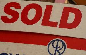 سوق العقارات في دبي 'يتوقع استقرار الأوضاع خلال عام 2015'