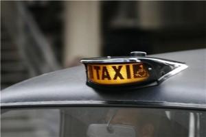 حجز سيارات الأجرة في دبي أصبح أكثر سهولة
