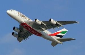 صافي أرباح طيران الإمارات يقفز 43% في 2013