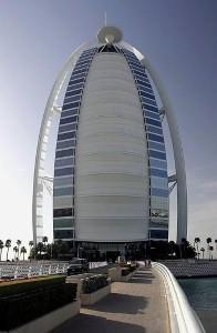 قطاع الفنادق في دبي يواصل أداءه القوي