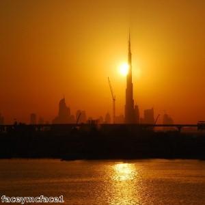 المسافرون من رجال الأعمال يتوافدون إلى الإمارات