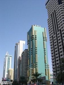 دبي لا تتوقف عن تسجيل الأرقام القياسية