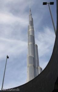 ساعة الأرض توفّر 255 ألف كيلو واط/ساعة من الطاقة في دبي
