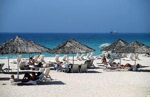 دبي تستعد لاستضافة سباق خيري للسباحة هذا الأسبوع