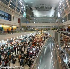 تدفق حشود المستهلكين من جميع أنحاء العالم إلى مهرجان دبي للتسوق