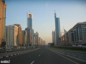 شرطة دبي تضيف سيارة ماكلارين إلى أسطولها