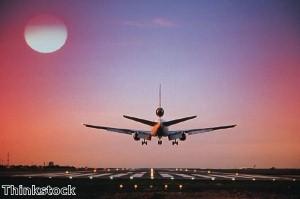 قطاع الطيران في دبي يحتل مركز الصدارة