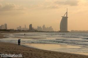 السائحون الصينيون يتدفقون إلى دبي