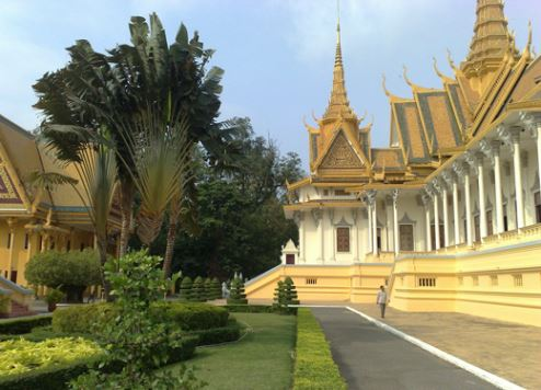 Emirates supports Dubai's Asian visitor drive with Phnom Penh launch
