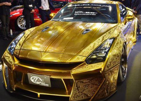 Gold Car, Dubai