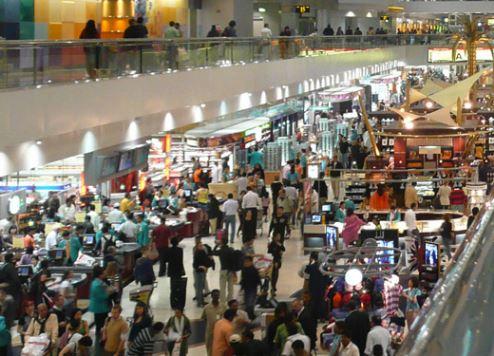 Dubai airport traffic