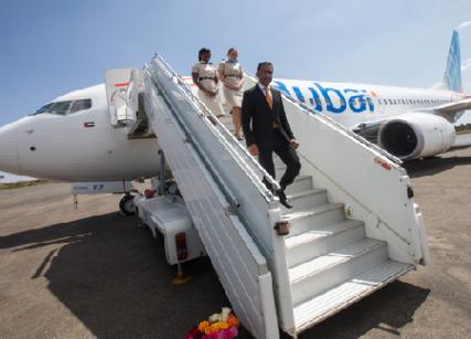 The flydubai delegation led by Sudhir Sreedharan disembarks in Asmara.