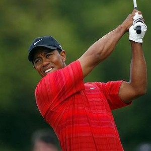 Tiger Woods and Fred Couples drawn together in Dubai